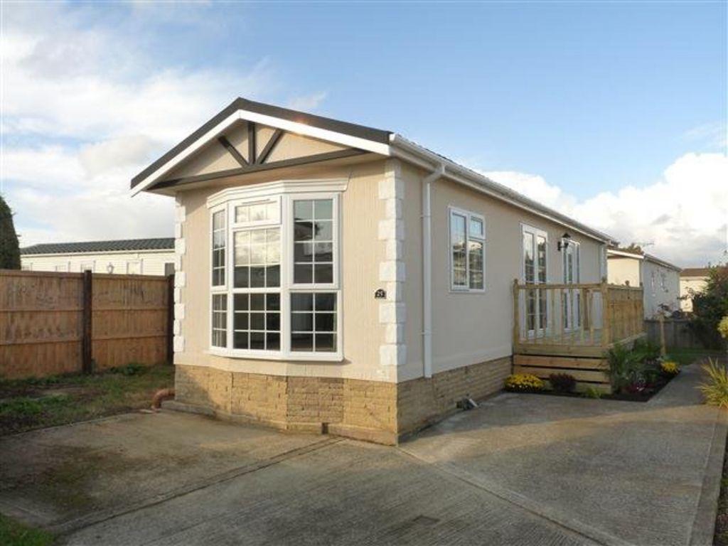 2 bedroom mobile home for sale in marigolds shripney road po22