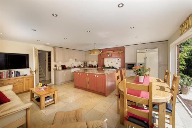 Draycote-Kitchen-02A