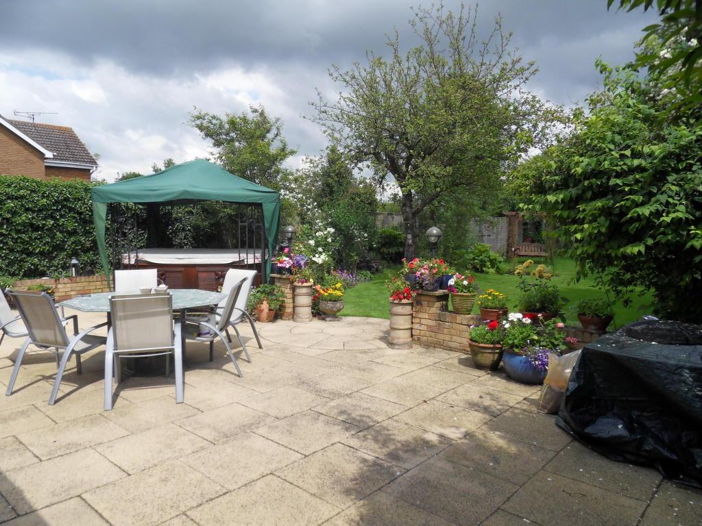 Patio patio area garden design ideas photos inspiration for Garden patio area ideas