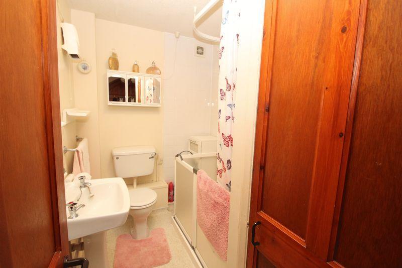 Shower room (f...