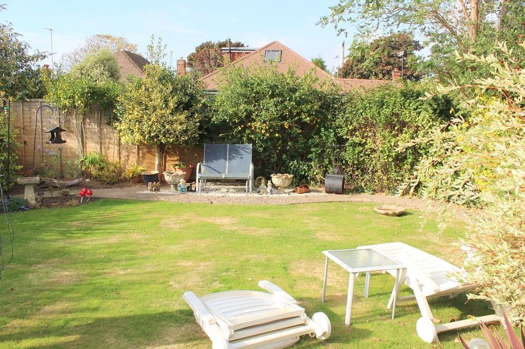 Wal garden.jpg