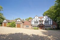 5 bedroom Detached property in Brassey Road, Oxted...