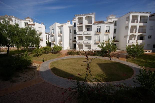 2 bedroom Apartment For Sale: 1st Floor, Phase 4, La Torre Golf Resort, REF – LAF134