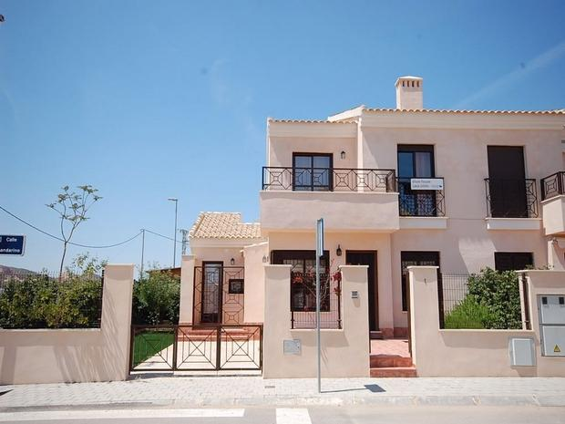 3 bedroom Villa For Sale: Quarter Villa, Phase 1, San Cayetano, REF – SCVQ01
