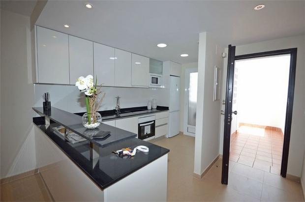 2 bedroom ground floor flat for sale
