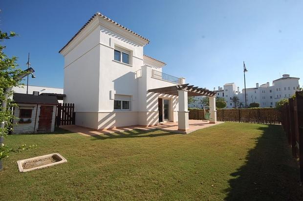 3 bedroom Villa For Sale: Villa Enebro, Phase 5, La Torre Golf Resort, REF – LVE118
