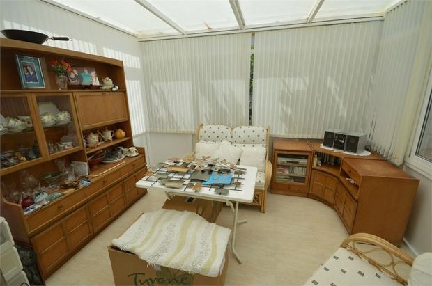 2 bedroom detached house for sale
