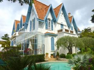 Flat for sale in Villa in Cannes...