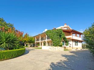 Abruzzo Villa for sale