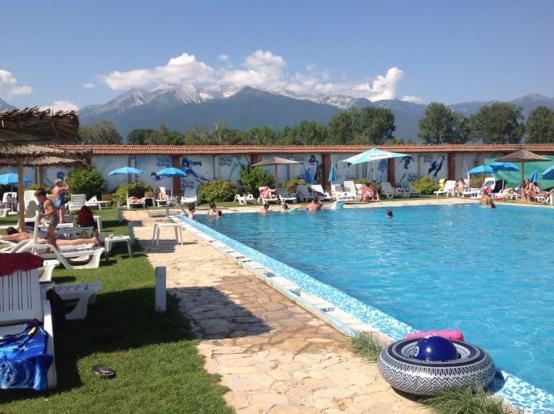 Thermal mineral pool