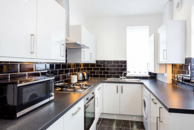 Copy of 16-suffolk-street-student-accommodation-kitchen