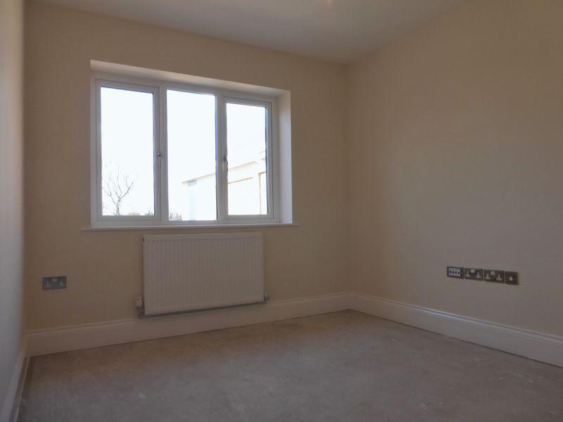 Bedroom 4 / Po...