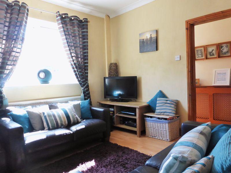 Lounge into Hall