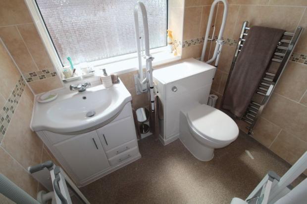 Bathroom / Wet...