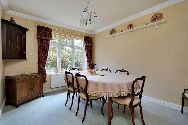 Dining/Bedroom...