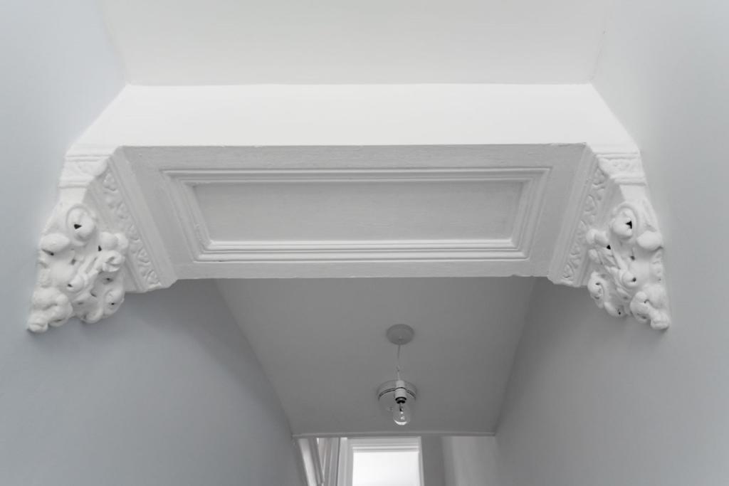 Detail in hallway
