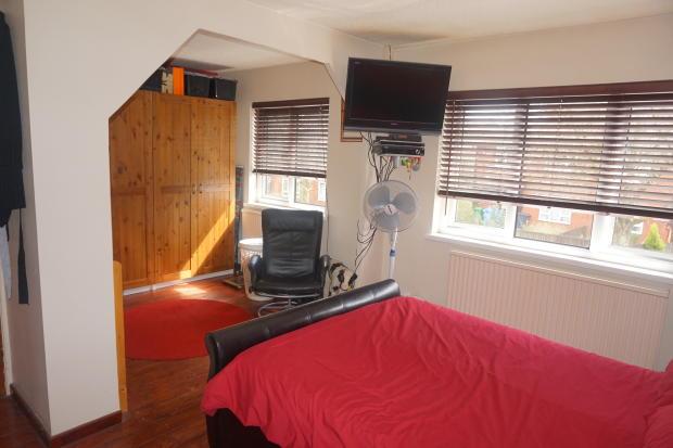 Bedroom 1 to 3.JPG
