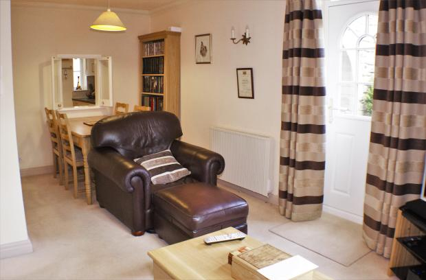 Lounge-Diner. Low Mill, Caton. Lancaster. Estate Agent. YOPA. 2