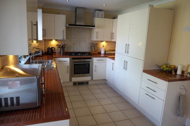 Kitchen Area 1.JPG