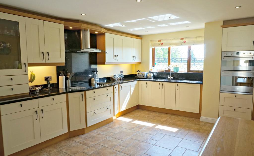 KitchenBreakfast Room