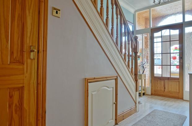 Hallway. Balham avenue. Blackpool estate agent.  YOPA.