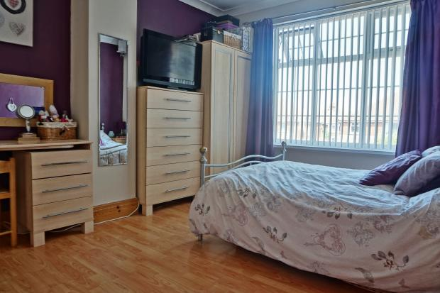 Balham Avenue, Blackpool. Estate Agents. YOPA. Bed 2.JPG