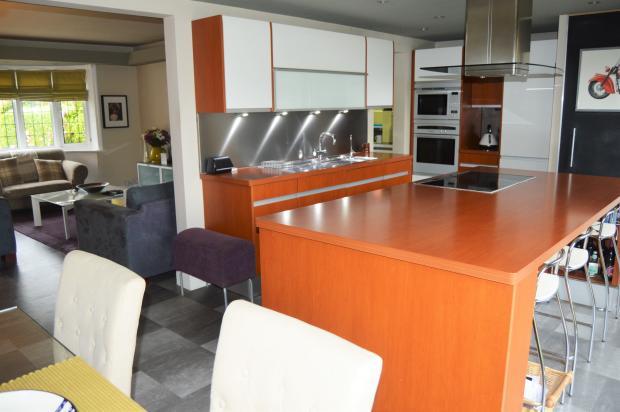 Kitchen breakfast bar view