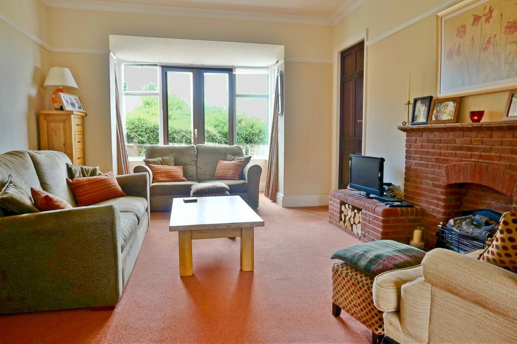 Living room westw2