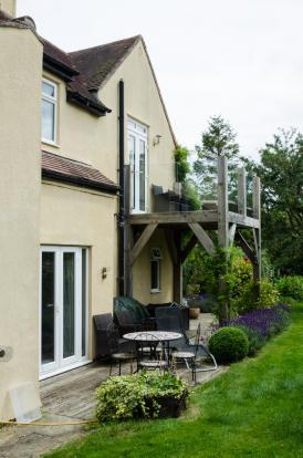 Balcony & decked patio