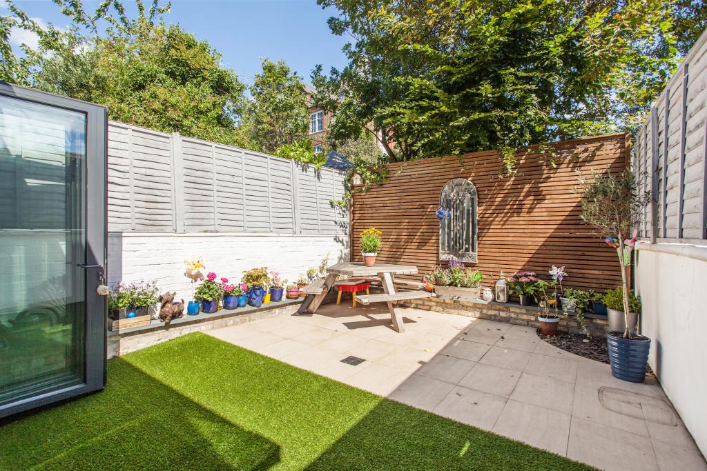 Garden With Bi-Fold Doors