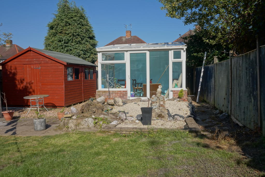 Rear garden with Summer House