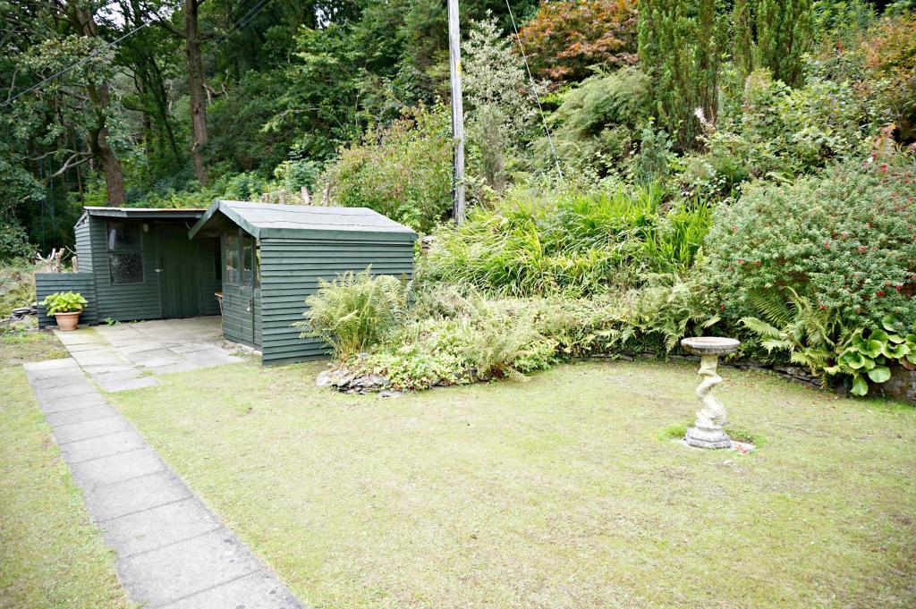 Garden to Side