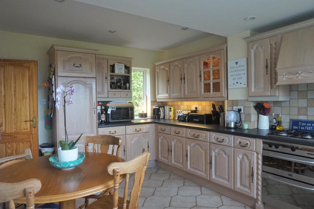 Kitchen Breakfast Room Photo 2