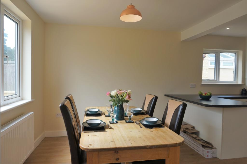 Kitchen Dining Room Photo 4