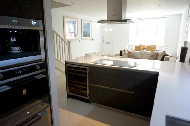 Kitchen/ Lounge/ Diner