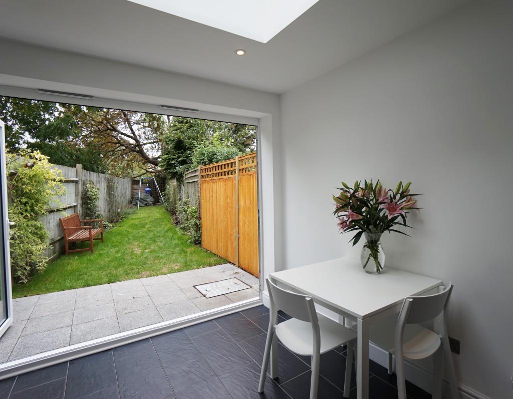 Breakfast Area through to Garden