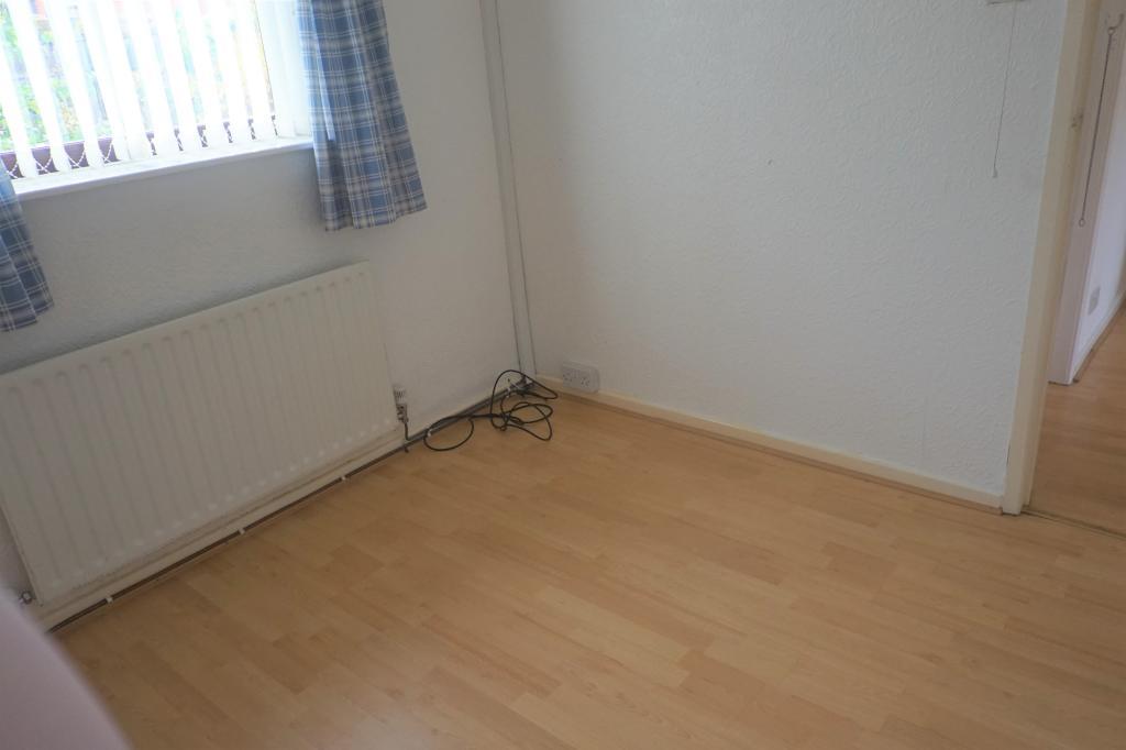 Bedroom 2c.JPG