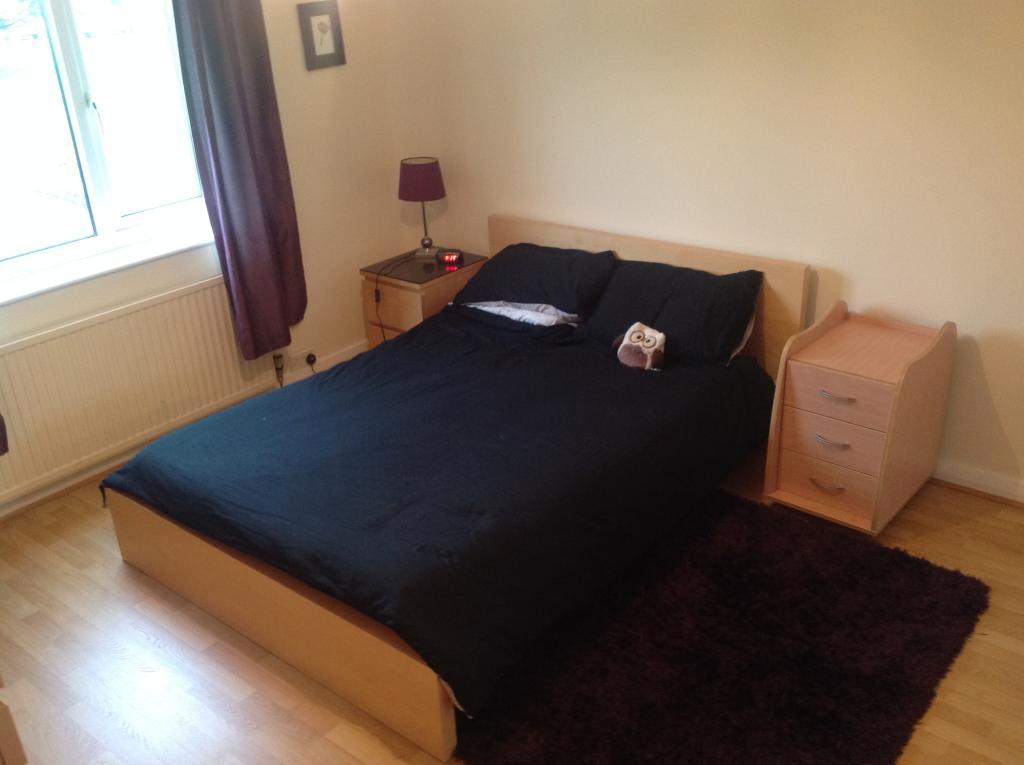Bedroom one (2).JPG
