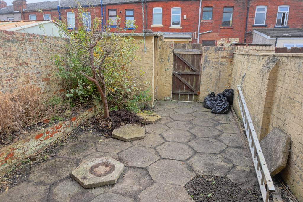 Rear Courtyard Garden