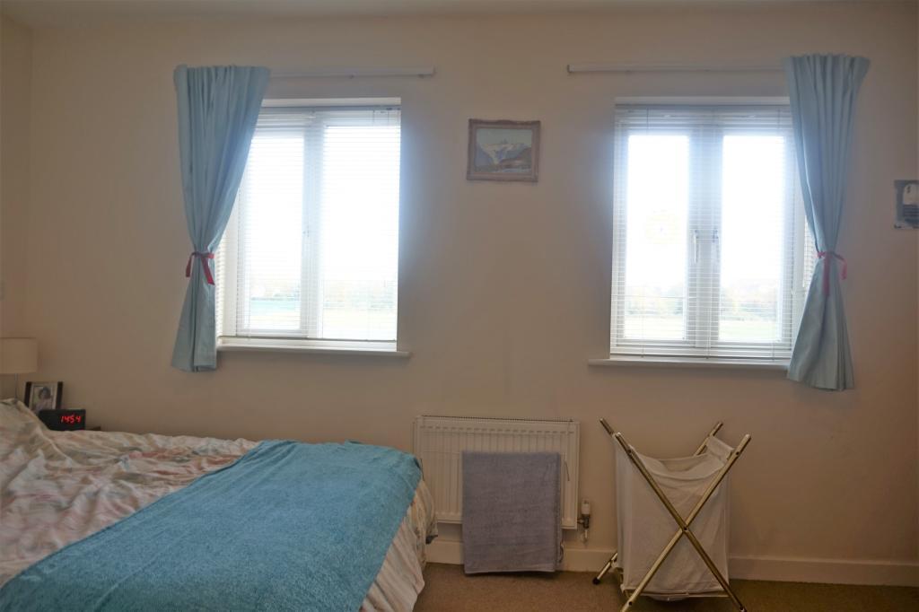 Main Bedroom Photo 2