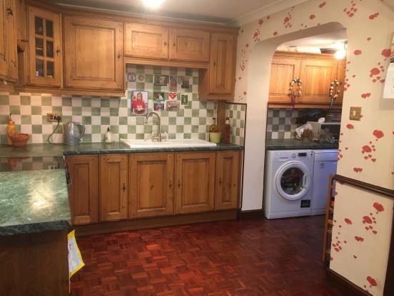 Kitchen dining room utility room - photo 03.JPG