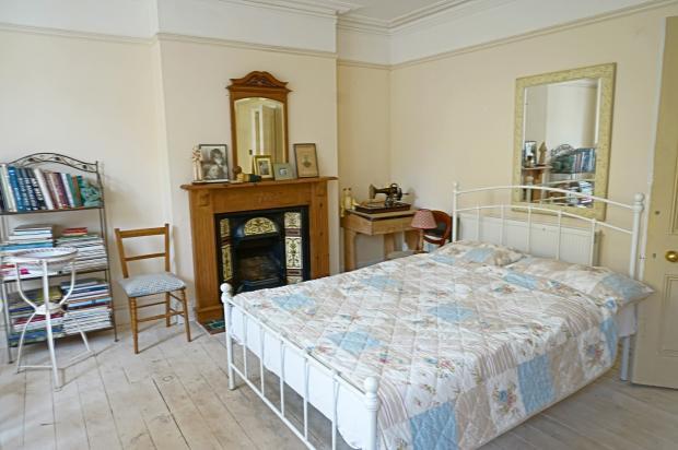 Bedroom 1n