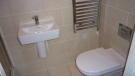 6 Holywell Gardens - Bathroom.JPG