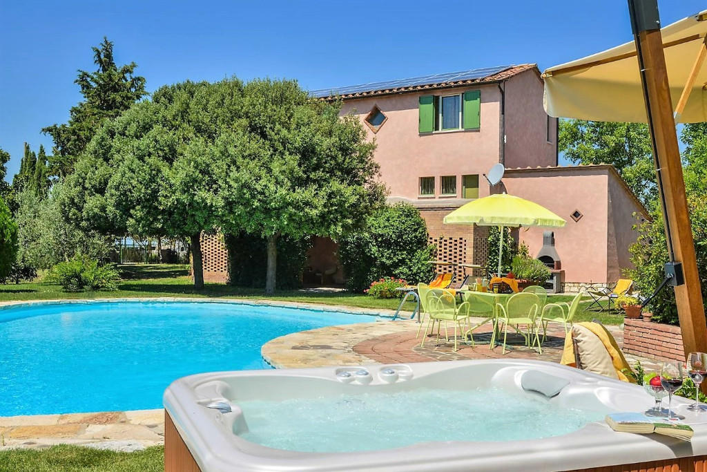 3 bedroom property in Asciano, Siena, Tuscany