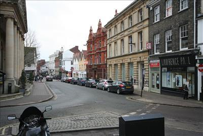 shop to rent in 1 cornhill bury st edmunds ip33 1be ip33