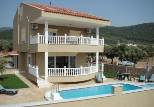 4 bed Villa for sale in Aydin, Didim, Akbuk