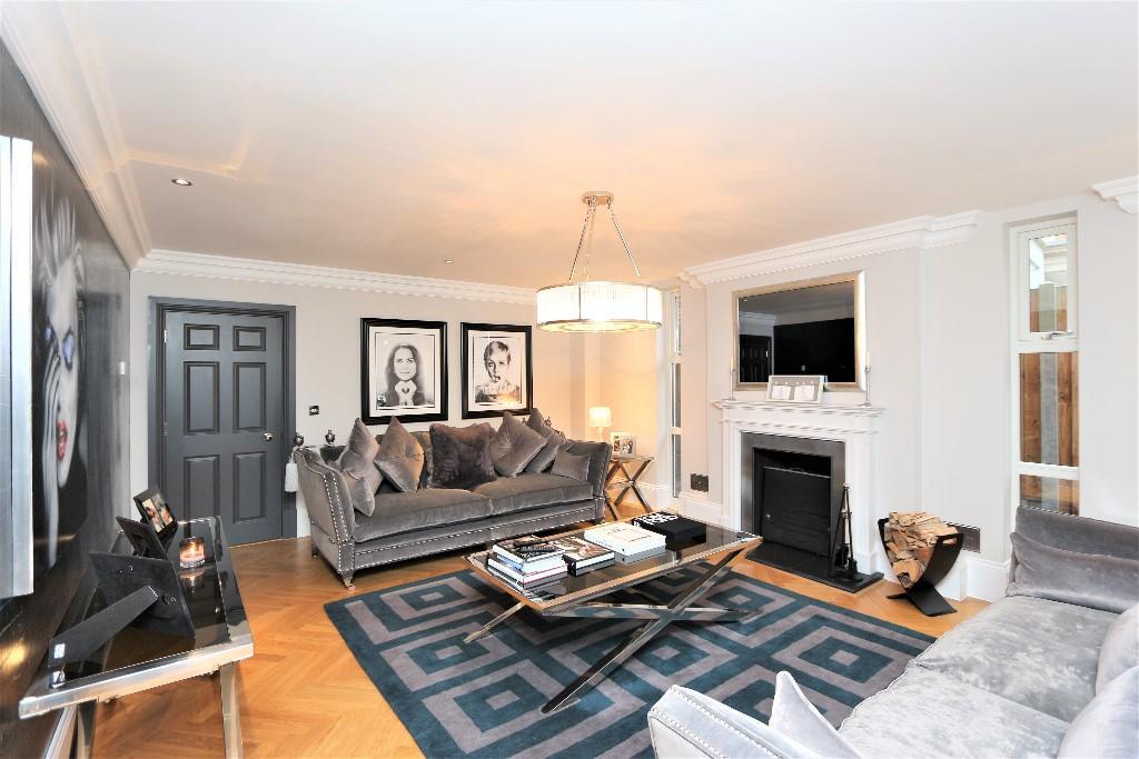 Higgins Homes,Lounge