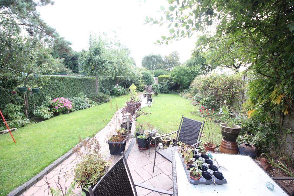 Patio Area & Gardens