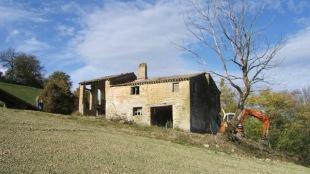 3 bed Farm House for sale in Le Marche, Macerata...