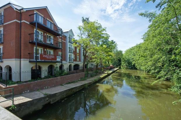 River Medway V...
